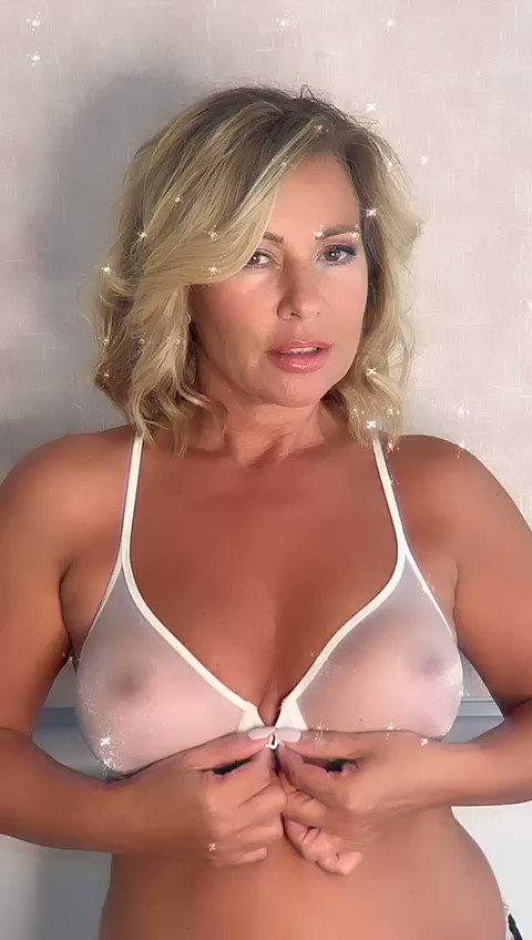 Morning boys, come and join me on my #onlyfans you know it makes sense 😘💋 🔥Onlyfans.com/traceycoleman @PageThree4 @BoobhunterPromo @MrHappyChap07 @theglamour_zone @TheHardDepot @Assman3pt0 @thesexpedition @amwalker38 @Tees_Babes @slol59 @JennysMatures @Eye4Boobs