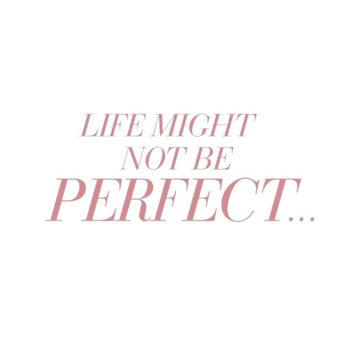 Just your midweek reminder that we are open for all your lash & brow needs😌 Happy Hump day babes!✨