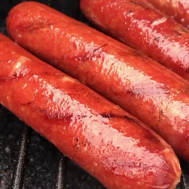 What's on your 4th of July menu? How about some 100% all beef hot dogs? #mountainprimal #meat