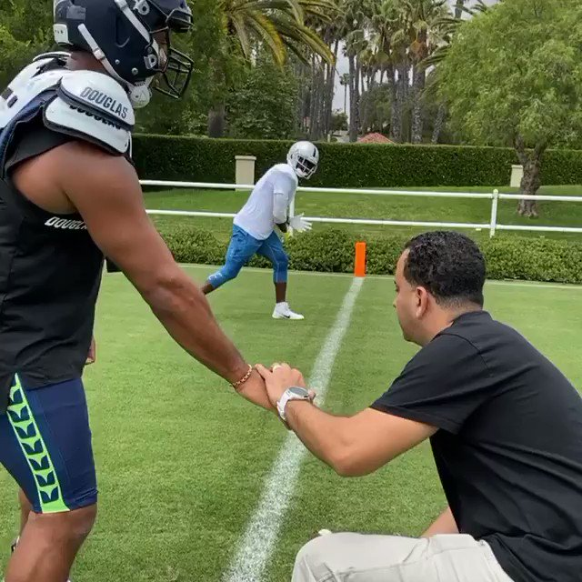 Russell Wilson and AB get in some reps together. 👀🧐 (🎥: @AB84)