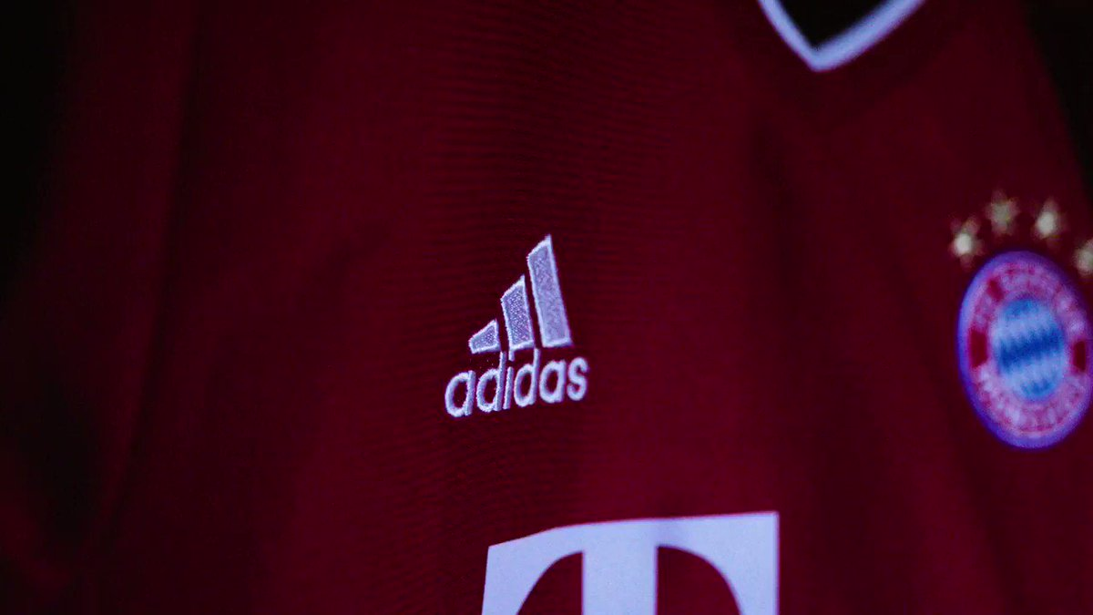 All set for greatness.  There's a new number 🔟 at @fcbayern.  Shop the 2020/21 Home Jersey now: https://t.co/v0PqrX9SKk. https://t.co/OvhtktPDMB