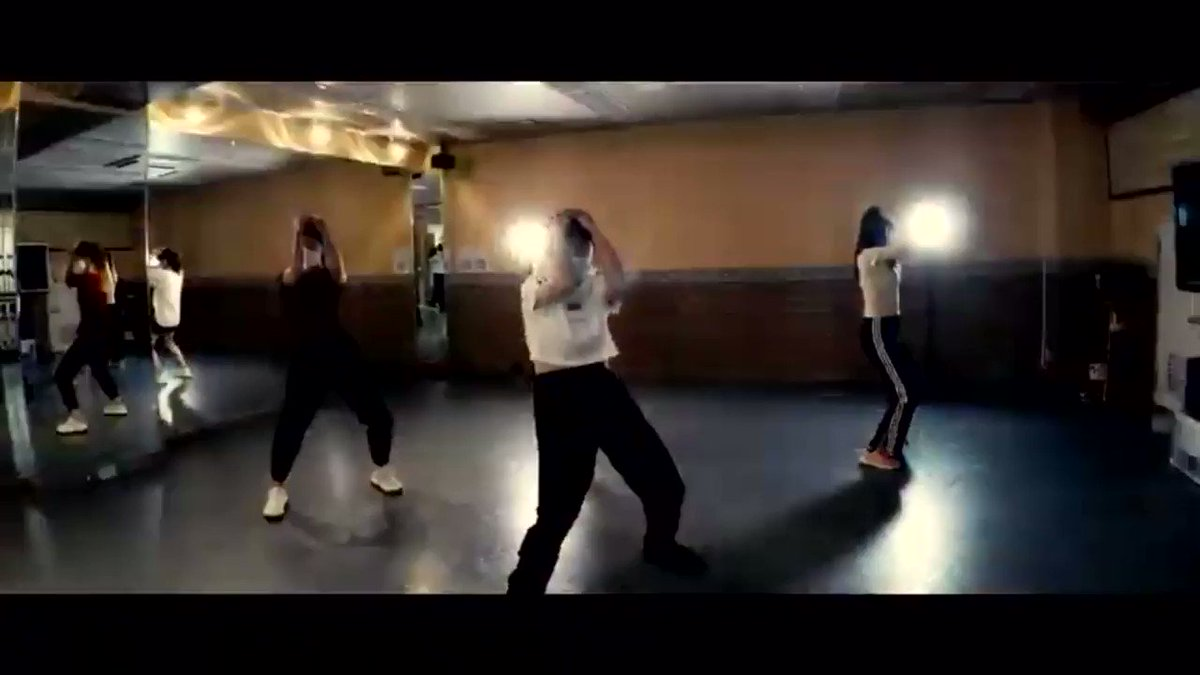 New Video📹✨  MORE&MORE / TWICE  フルはこちら↓ https://t.co/Wpwd9Miglx  KPOPダンスを一緒に踊りたい人募集中😉  #ダンスサークル #コピユニ #onceと繋がりたい #TWICE_GOGOFightin https://t.co/UNDiN10oAB