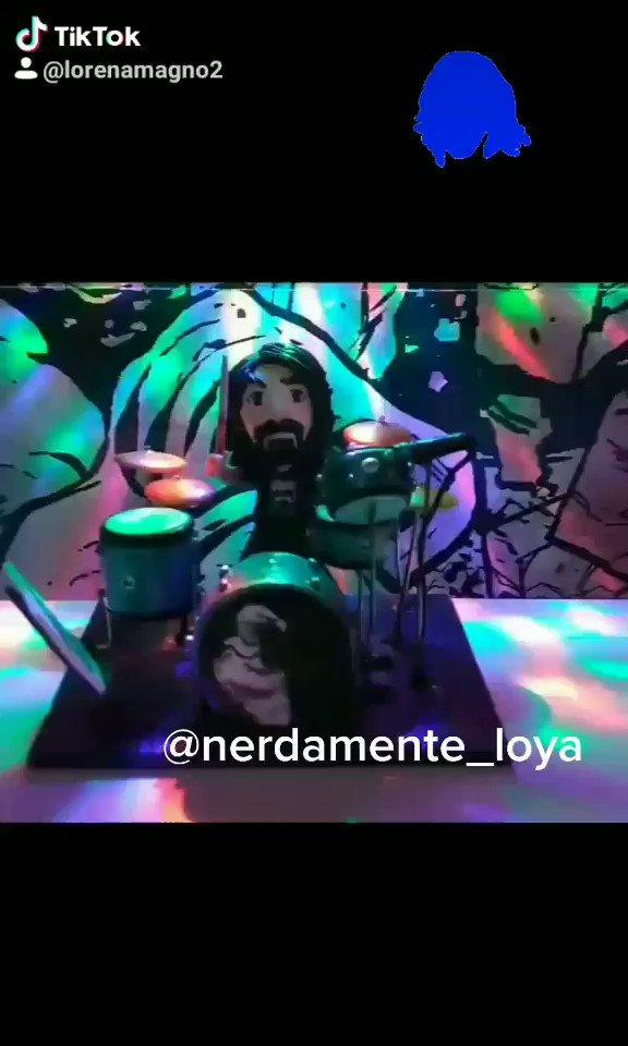 #daveGrohl versión #Nerdito.  #music #Musica #musico #nerdamenteam #nerdamenteLOYA ☕🤘🏻🎶 https://t.co/hcatI1uH8B