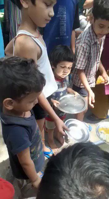 This #pandemic is just a trailer of the misery that these kids are going to face a few years later;  Today our young #ClimateStrikers are fighting hunger but soon they will be struggling for air, water, spaces & food if we don't #act on #ClimateCrisis seriously!  @GretaThunberg https://t.co/PaeWlJ3c8s