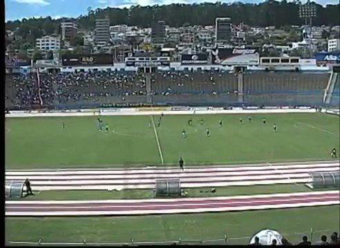 ¡El primer gol de nuestro Símbolo @LFS10 ! 😉  #CampeonatoEcuatoriano 2002 - Gran 3-1 sobre @Macara_Oficial ⚽️  Recuerdos azulgranas 💙❤️ con #SDQuitoProtegido  Fuente: @LaRedEcuador  📱https://t.co/1HIwi0gxWN 🔵 #SDQuitoProtegido 🔴 https://t.co/BE7CL4TOHv