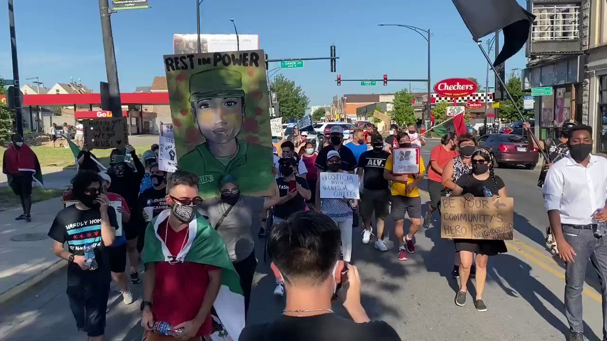 Here at the #HitTheHood Peace March in Chicago.   This is included in a series of events to unite the city of Chicago and take a stand against violence. #ForChicagoByChicago  #ChicagoProtest #BlackLivesMatter #IncreaseThePeace #ChicagoProtests pic.twitter.com/Ef1gebTKx2 – at Back Of The Yards neighborhood