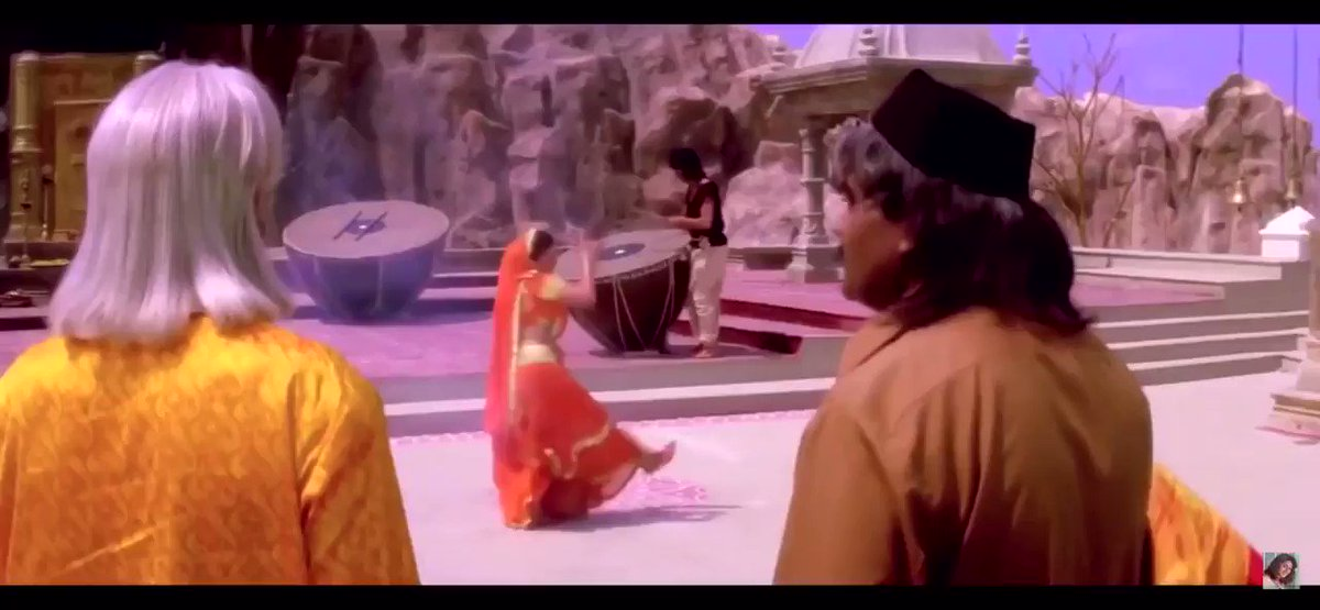 I think this is one of Saroj Khan's most underrated sequences with Madhuri Dixit: Saanson Ki Mala from Koyla. Look at the way she used expressions and body language to storytell through dance. This 45 seconds tells you the entire plot of the film if you look closely enough.