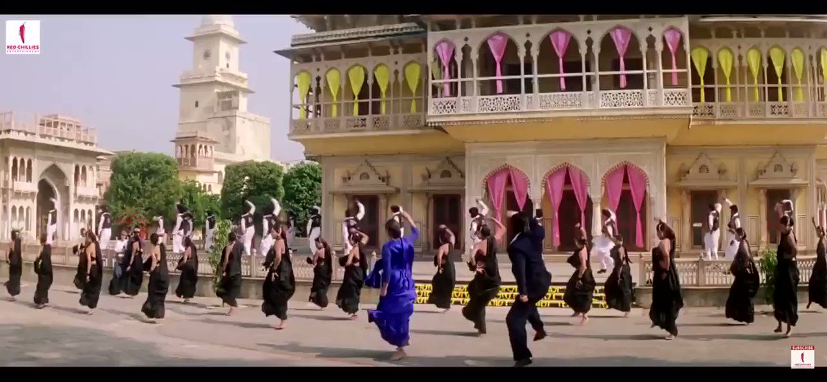 Another one of my favourite Saroj Khan sequences: Nahin Jeena Yaar Bina from Chaahat. I love the chemistry between Shah Rukh Khan and Pooja Bhatt and the playfulness in the choreography. It's just fun and energetic - that's all you want sometimes.