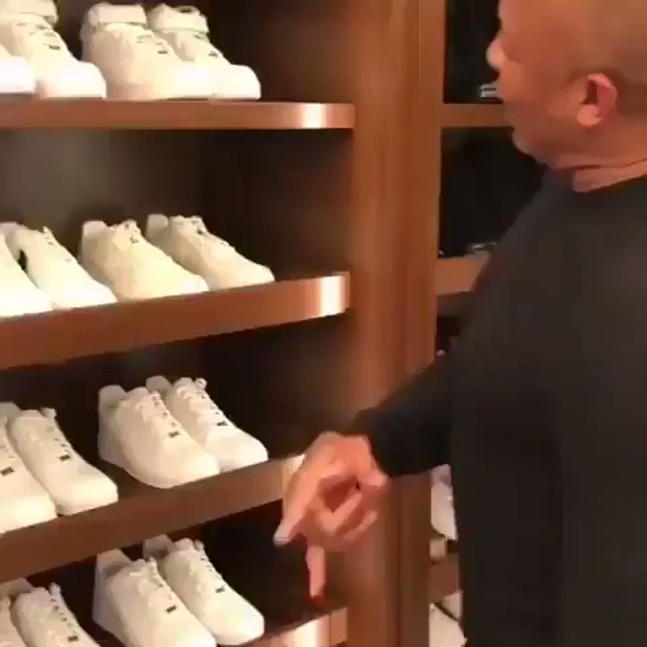 Dr. Dre wears a new pair of Nike Air Force 1s every single day 😱