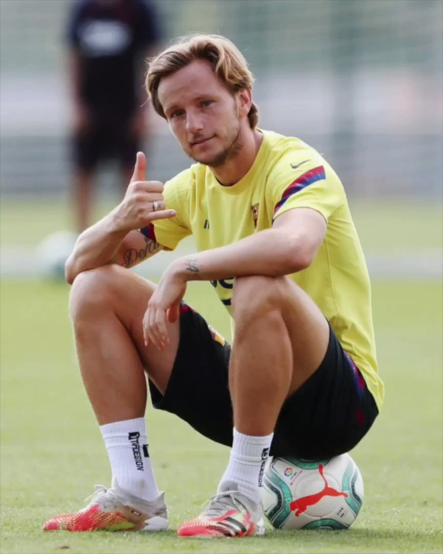 Ready for the next battle! See you tomorrow at 22h! 💪🏼😉⚽️ #ivanrakitic #FCBarcelona https://t.co/VY2PLxAZaZ