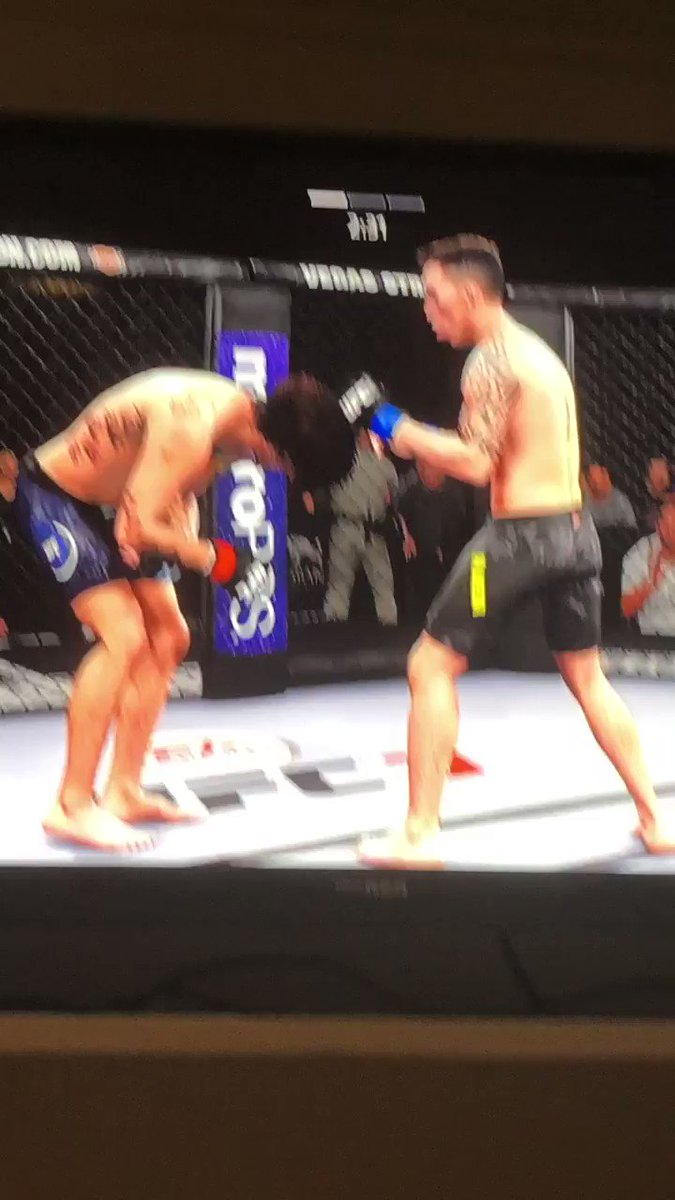 UFC 3 is such a flawless game, I'm not sure they could make it better if they tried. https://t.co/6TJYtEmOYA