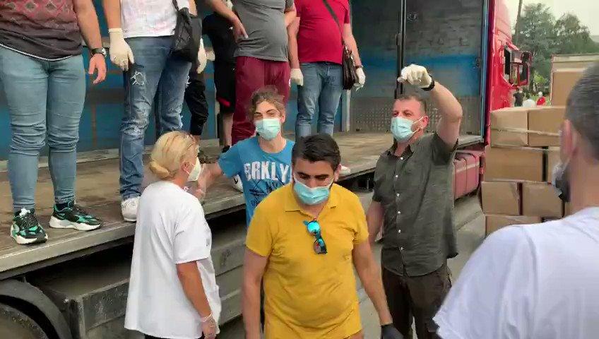 Ömer Çetres, Sancak'a gönderdiğimiz yardımların ulaştığını duyurdu: Vefalı Türk geldi yine… #Sancak #Türkiye #Kovid19 dirilispostasi.com/dunya/omer-cet…