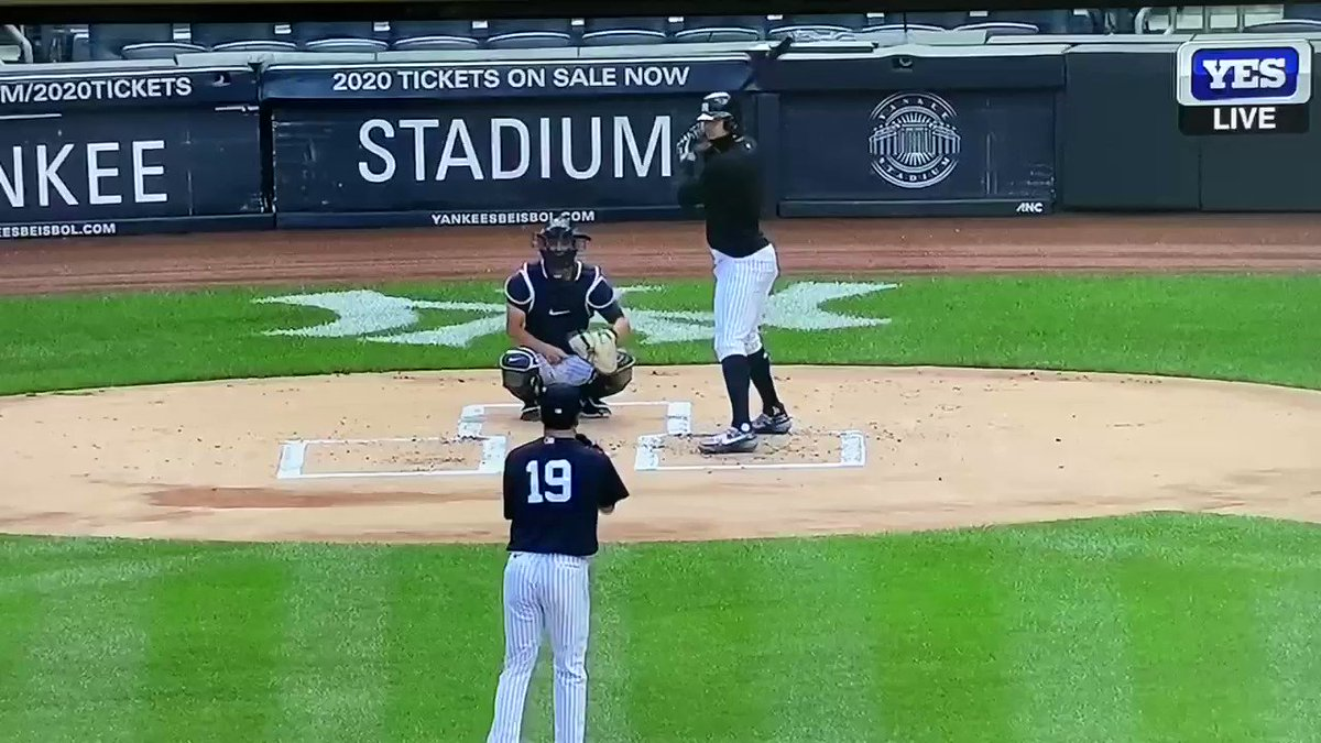 Masahiro Tanaka was hit in the head with a line drive from the bat of Giancarlo Stanton during a simulated game. https://t.co/biProHbgeK