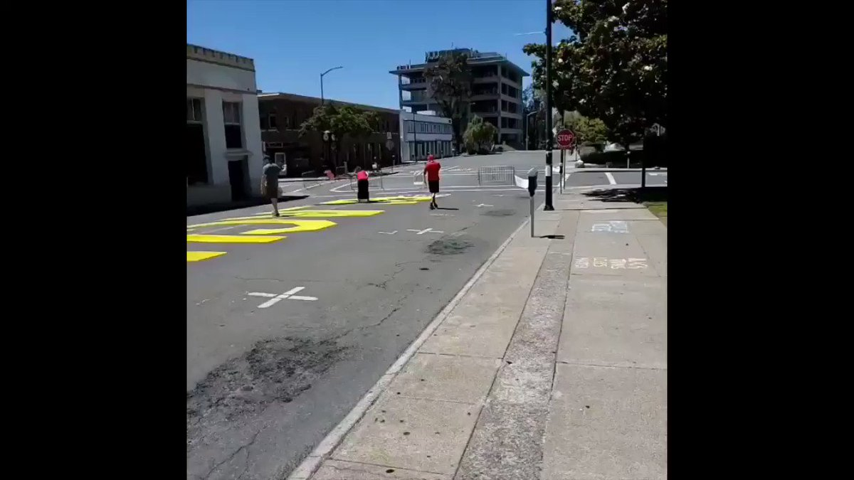 A couple spent the 4th of July painting over a portion of the Black Lives Matter street mural in downtown Martinez. It happened about 2:30 this afternoon and a bystander captured it on video. Caution: graphic language #BLM #BlackLivesMatter #FourthofJuly https://t.co/Kq8PuXgJ44