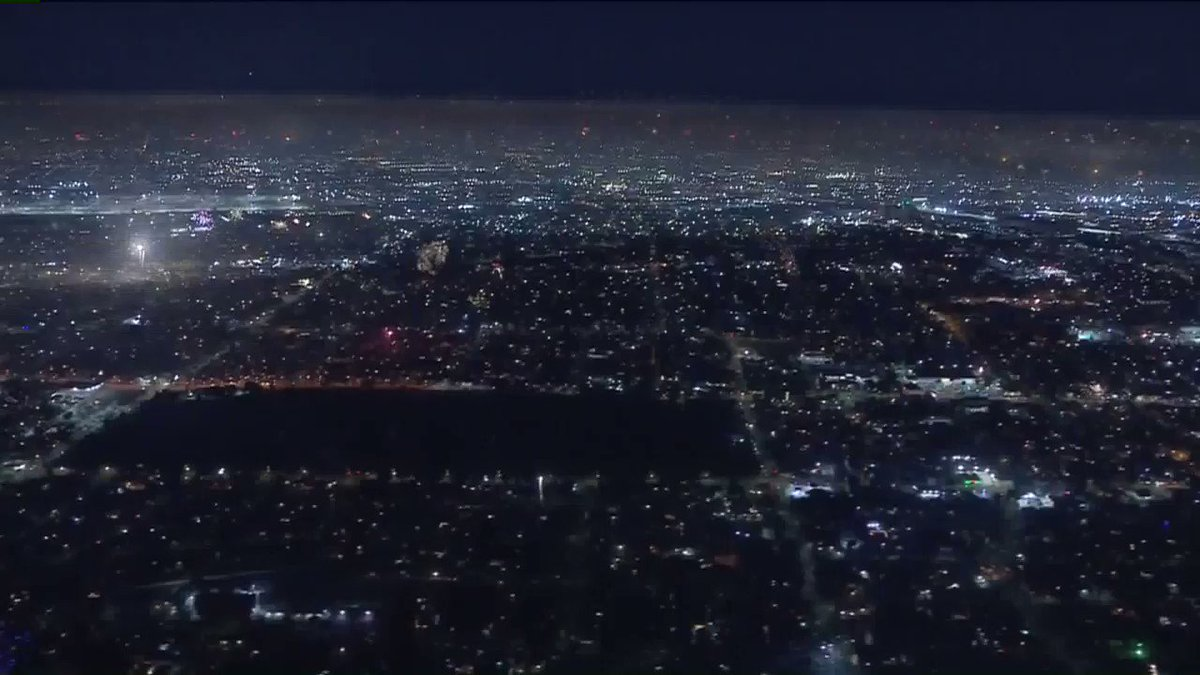 """💥🚁 Fireworks over Los Angeles. Wondering if @KTLA helicopter reporters got """"Combat Pay"""" on the 4th? Crazy Night! 🚁💥 #LAFireworks"""