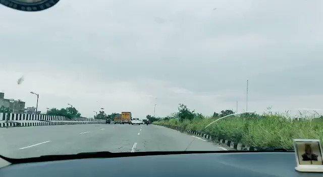 Random drive on a rainy Sunday morning  #Drive #longdrive #rain #RainOnMe #DelhiRains #travel #travelphotography #timelapse #shotoniphone #iphone11 #mobilephotography #sunday #sundayfundaypic.twitter.com/TyXsQH4Hhw