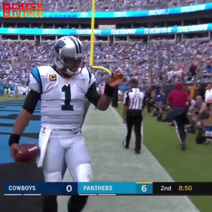 Cam giving a kid a souvenir after he scores is everything 🙌 @CameronNewton https://t.co/8ZVRv5kX6h