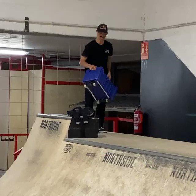 Anything Can Be a Skateboard #skate #skateboarding #skatetwitter #Funny #creativity (Skater: danny_leon)pic.twitter.com/wJR0UehABv