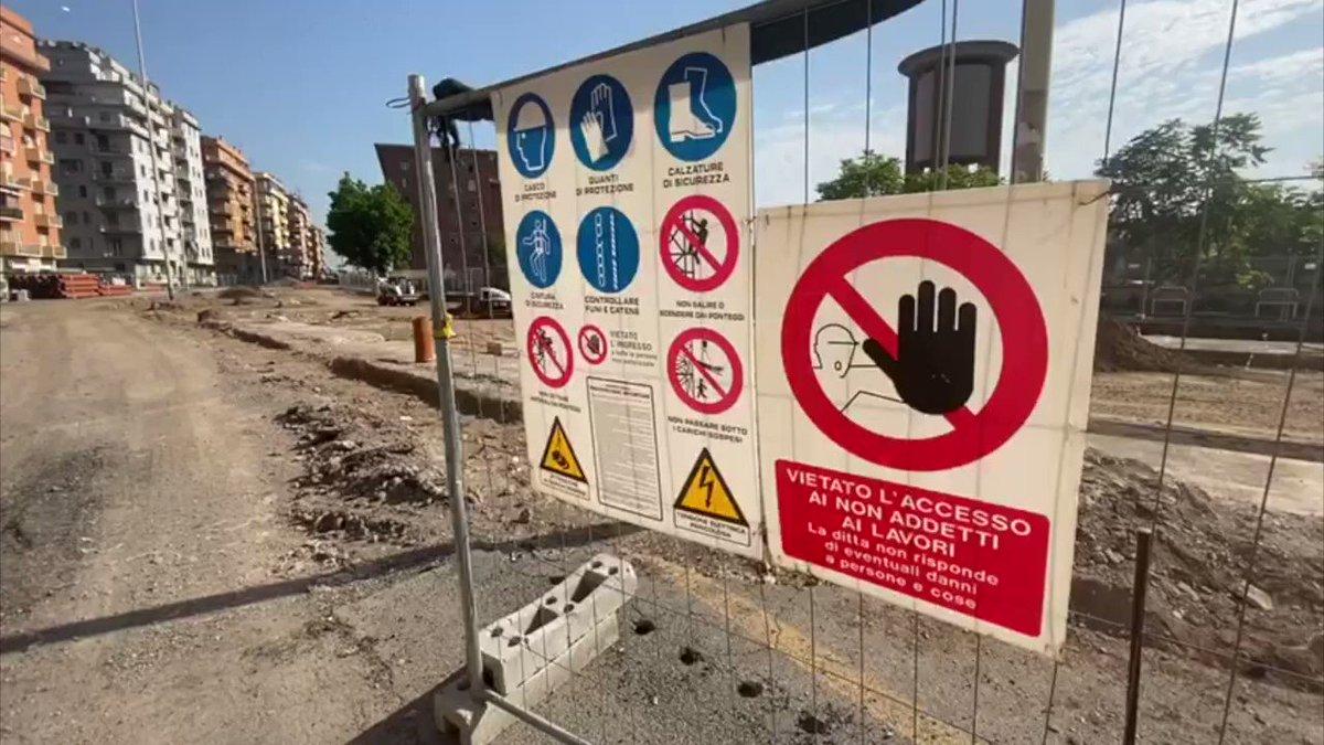 Non si fermano i lavori per la riqualificazione del Piazzale Ovest davanti alla Stazione Tiburtina. Stiamo portando avanti il progetto che cambierà fisionomia al quartiere e ad uno degli hub strategici per il trasporto pubblico della città: bit.ly/2VTPXjY