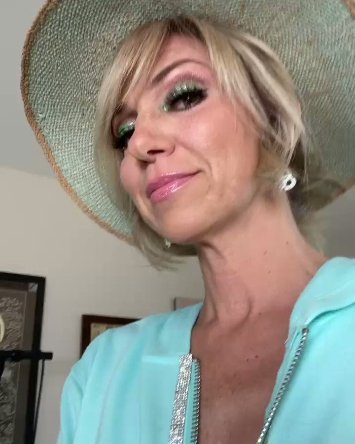 @DebbieGibson's photo on #MusicMonday