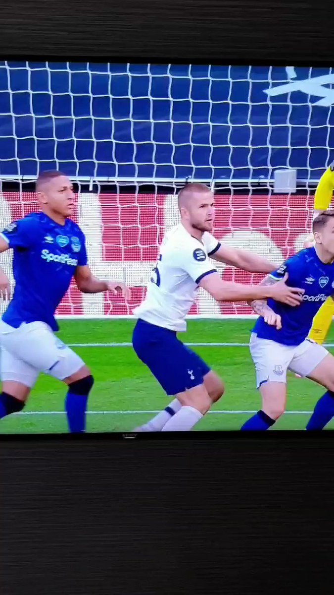 Unbelievable save by Pickford 😂 https://t.co/FI9hODPGDz
