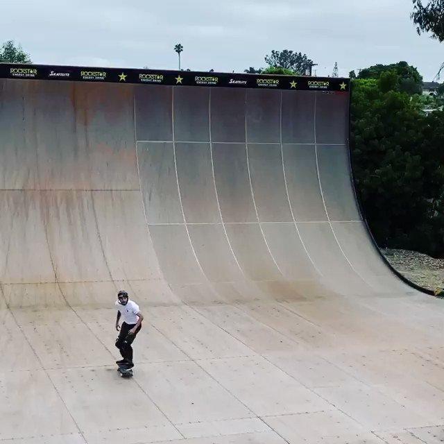 Can You Name This Trick?? •(Comment Below)   •(Skater: claykreiner)  #skateboarding #Skate #Skateboard #SkateVideospic.twitter.com/ux1WCYvRhX