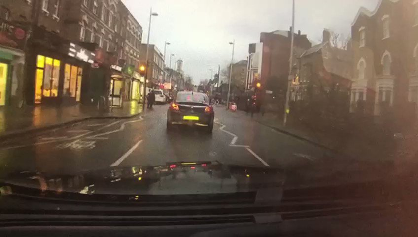 Over 100 #Dashcam & #Headcam public referrals submitted yesterday. Submit your footage via met.police.uk/dashcam joint working in support of #RoadSafety. Police can't be everywhere all of the time but the public can. This driver received 3 penalty points, a fine & costs #London