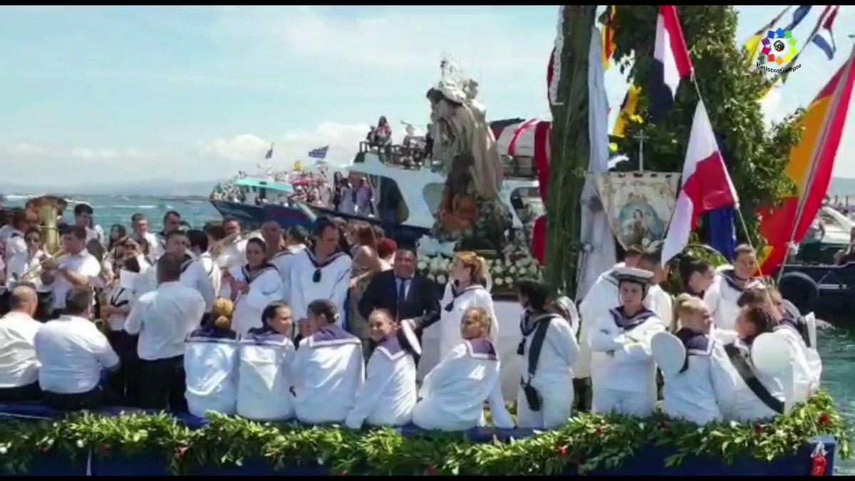 Con una tradición de más de 70 años, se celebra desde 1949, esta procesión es una de las imperdibles en el mes de Julio en las Rías Baixas. #AIllaDeArousa #RíasBaixas #Galicia #VisitaGalicia #Spain #VisitSpain #VisitOSalnes