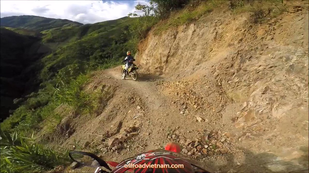 Vietnam by dirt bike challenging a very steep climb. It's not so easy! 😰🌄⛔️  📌 https://t.co/iYVMq9w4MV  🔑 #Northeast #Vietnam #dirtbike #motorbike #motorcycle #tour #hire #rental #guided #selfguided #adventure #journey #steepclimb #challenge #noscooter https://t.co/4Akdomek4q