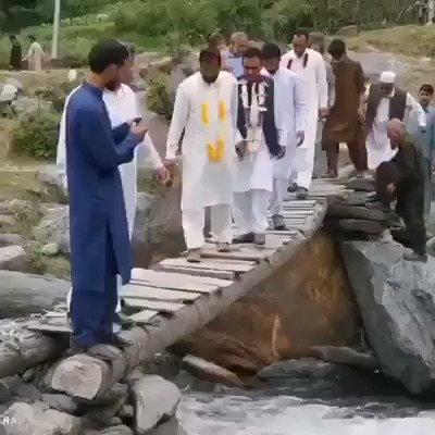 New Xinese Double Beam Bridge on #OBOR, with Financial and Technical Aid from xina, being inaugurated in Pakistan Occupied #Baltistan with great Fan Fare. ✔✔💯💯😄😄👏👏 #Dontmissvideo  @LevinaNeythiri @LawrenceSellin https://t.co/1gLjUN6a5d