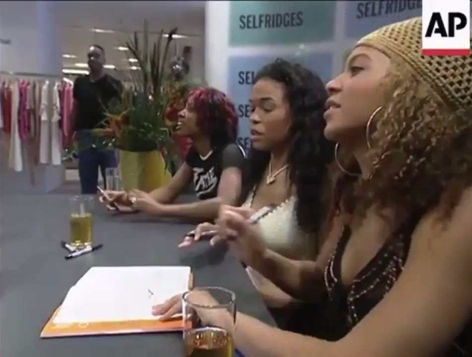 He asked for just Bey to sign🥴she slid it over anyways. Beyoncé does not play around with Kelly and Michelle.