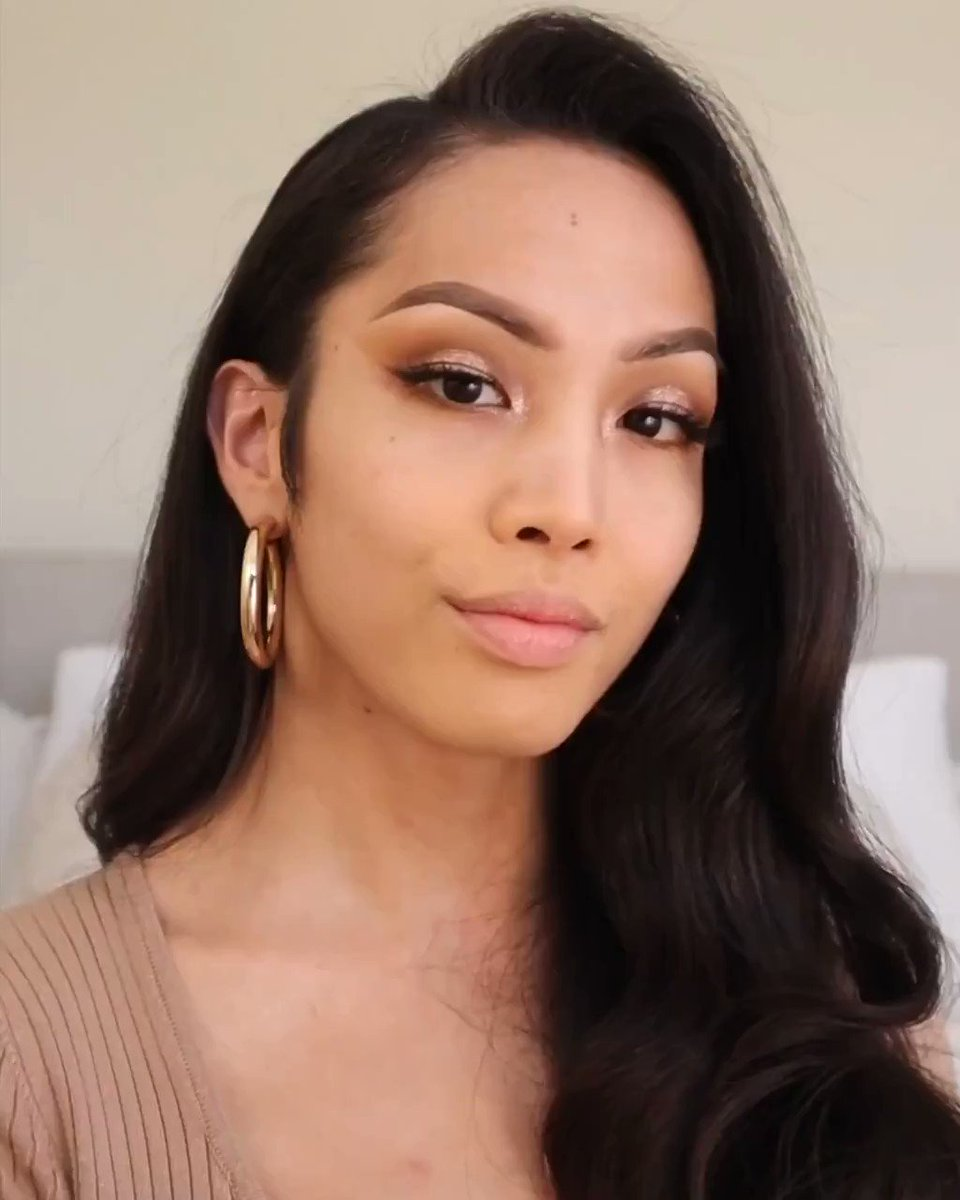 Video meeting? Video date? Walking to the kitchen? @hudabeauty's #FauxFilter Full Coverage Matte Foundation's full-coverage, cream formula has ultra-refined pigments to smooth and blur for a flawless, airbrushed look. Drop a 🙋🏽♀️🙋🏿♀️🙋🏼♂️ if you need it. https://t.co/yBwHdSW3ZX https://t.co/MHIQD9S8WG