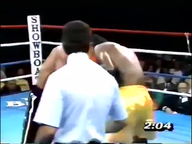 #OnThisDay in 1989, Edwin Rosario won the vacant WBA lightweight title with a 6th round TKO of Anthony Jones in Atlantic City #boxing #history #boxeo https://t.co/U3fMZj0PbU