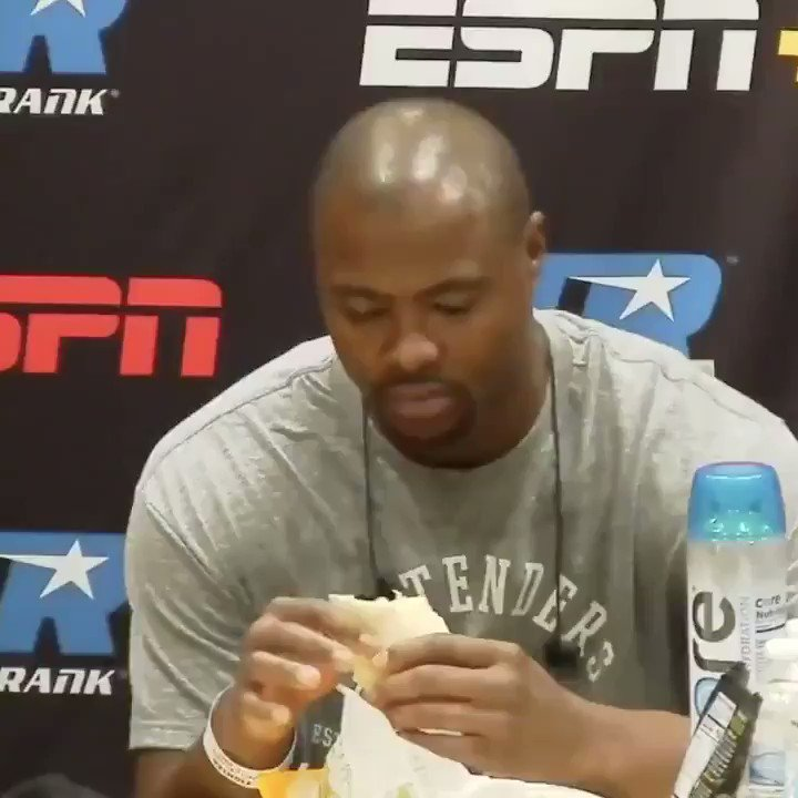 Two hours before entering the ring, Jerry Forrest is all about that roast beef wrap.   You fueling up 2 hours before the main event or nah? 🤔  #TakkamForrest | LIVE on ESPN https://t.co/ydyqQrE088
