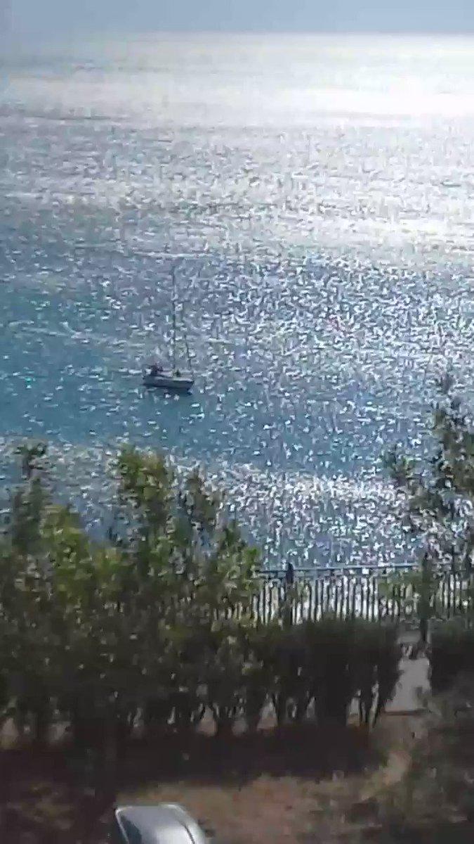 Яхта в море. #анапа #море #отдыхpic.twitter.com/km6TeXdQ4X