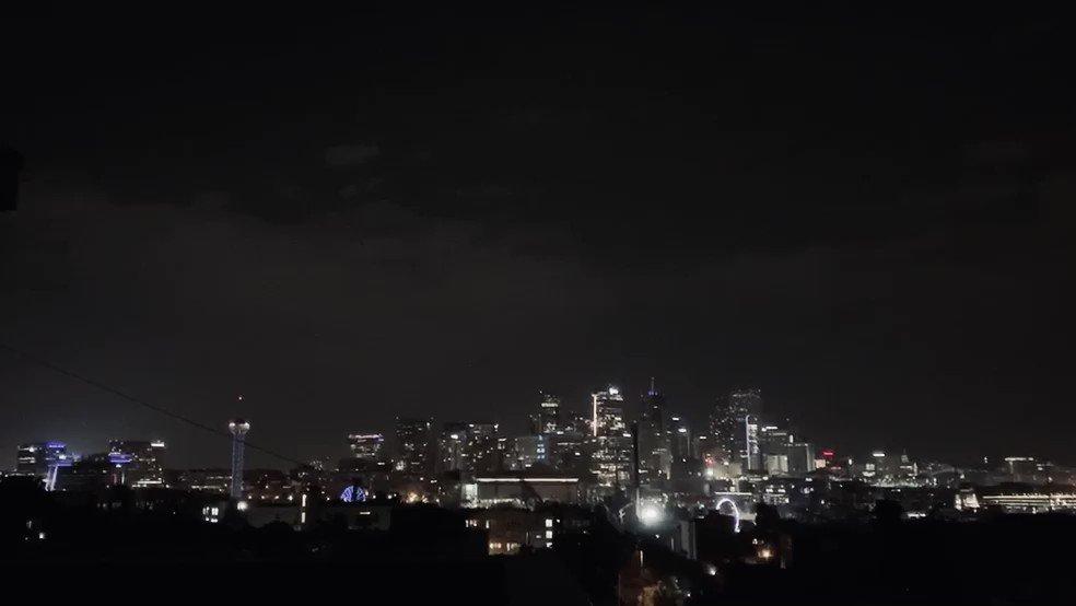 Thursday night was electric  #Lightning #Denver #COwxpic.twitter.com/X7KmtGs4yd