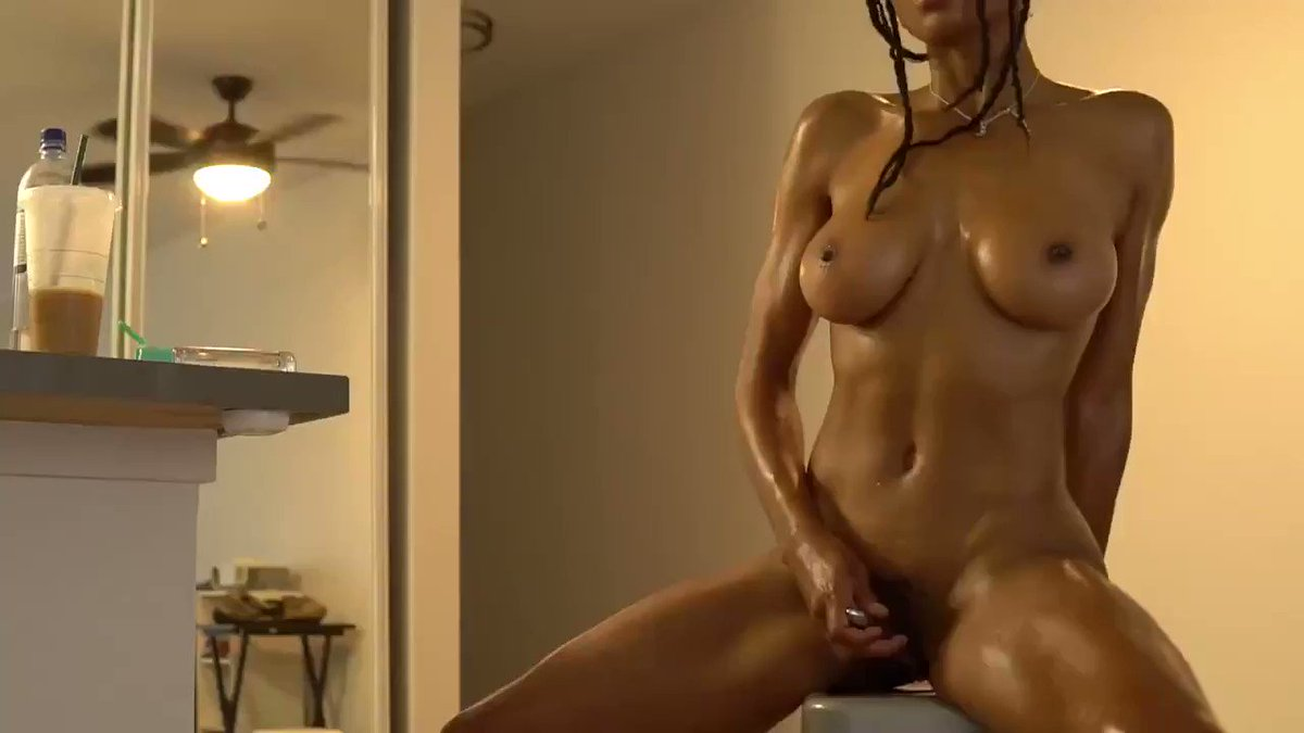 New sale! My vids are lit! Seducing you in my new Apartment manyvids.com/Video/1337613/… #MVSales