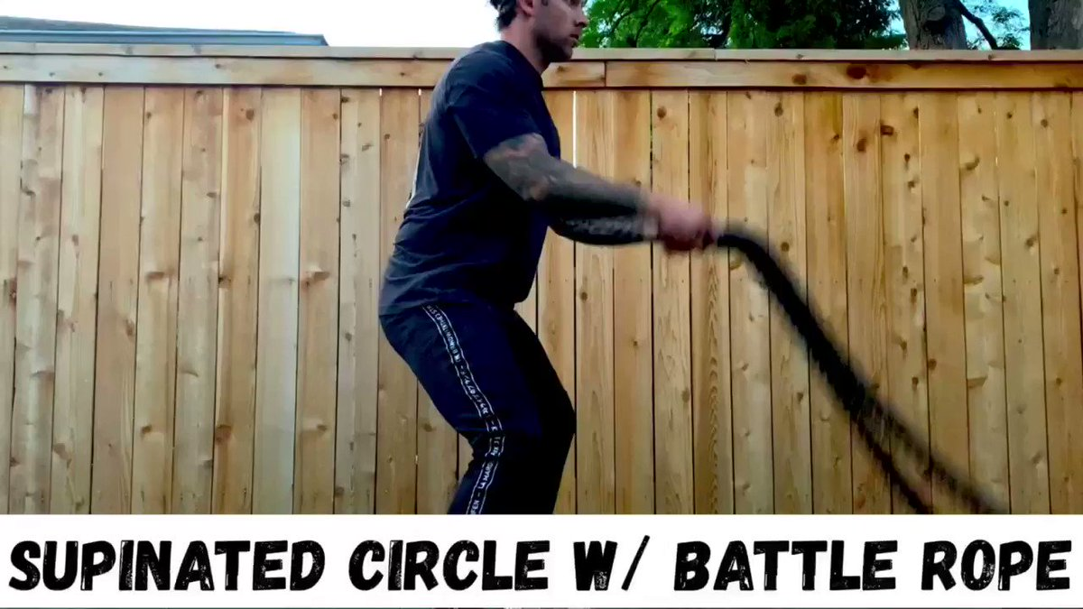 Hitting shoulders today! my favorite way to warm up is with a few exercises using the battle ropes❗️🏋🏽♂️💥💥 -5 exercises X40 reps  #F4L #fitfam #fitness #health #gym #exercise #training #workout #blogger #motivation #FridayFeeling #TGIFriday #FlexFriday #inspiration #bodybuilding