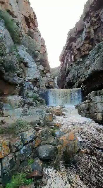 What good rain brings to our mountains. #AdmiralsWaterfall #SimonsTown   📽 Take Back Our Mountains  @SANParks  #SANParks #LiveYourWild #TableMountain #TBOM https://t.co/bwAXQcn9ac