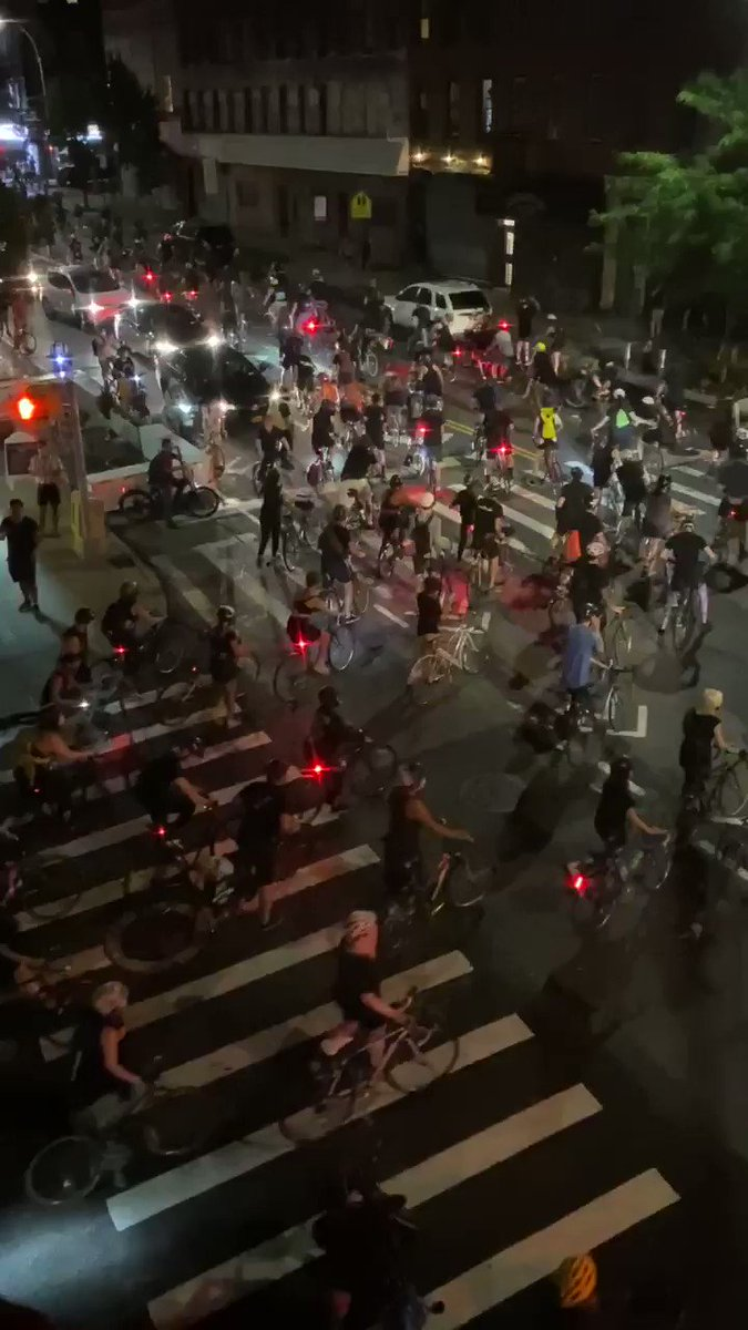 Stunning #BlackLivesMatter bike protest going through South Brooklyn right now. The same part of Brooklyn where racists held a Blue Lives Matter protest earlier and assaulted counter-protesters. 🎥: @mallory_jacque