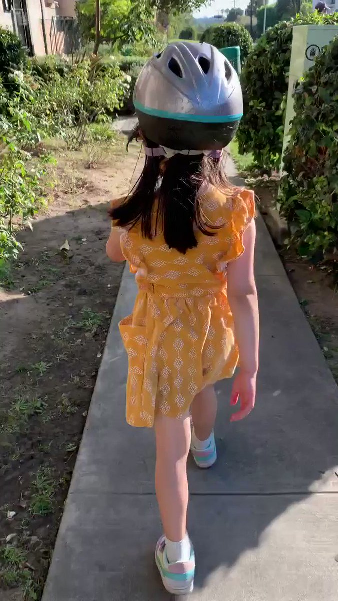 """When you're a 4yo and believe in positive reinforcement: She's been yelling """"Good mask wearing!"""" or """"Good wearing a mask!"""" at the smart people we see on our walks."""