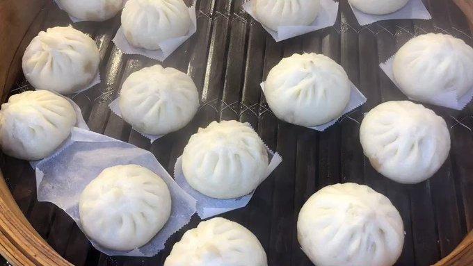 오늘도 맛있는 수제 만두 찜 올랐습니다 😊😊😊