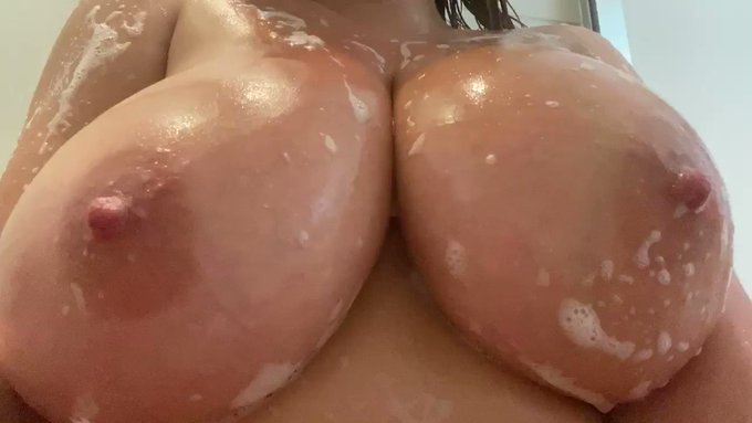 Cheeky discount on my box. Lots of soapy content. https://t.co/mnXjNG1iF2 <———- Tap this 🤘🏻 https://t