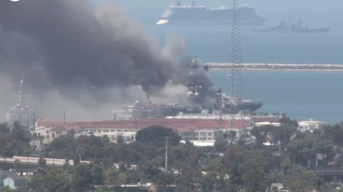 #12Jul 🇺🇸 Aumenta a 18 los marineros que fueron hospitalizados tras una explosión que fue reportada en un incendio en un barco de asalto militaren la base naval de San Diego, en California, de acuerdo a las Fuerzas Navales de Superficie. Vía: Telemundo Noticias. #TVVNoticias https://t.co/myrYFVzdGV