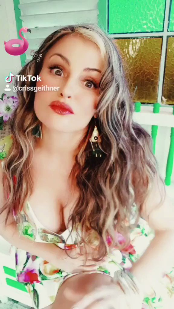 vm.tiktok.com/JLucJxy/ Todo tiene precio!🤣 #auracristinageithner #lapotradelabanda #colombia #beautiful #tiktok #tiktokers #chona #chonachallenge #comedy #actresslife #likeforlikes #naturalbeauty #humor #13Jul #colombia #mexico #USA #smiles #happy 🌹🌹