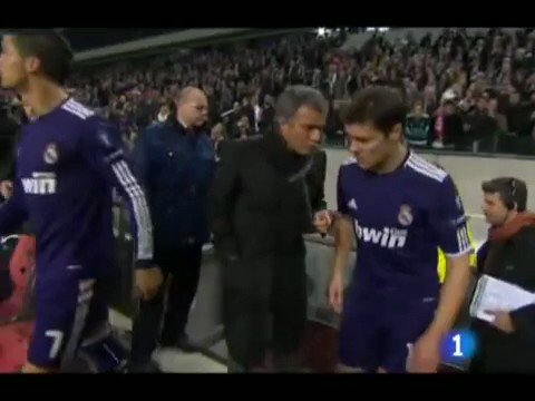 Throwback to the time when Mourinho instructed Xabi and Ramos to take second yellow card on purpose so that they avoid suspension in later stages of CL!!! Peak Jose, unreal shithousery 😭😂😭
