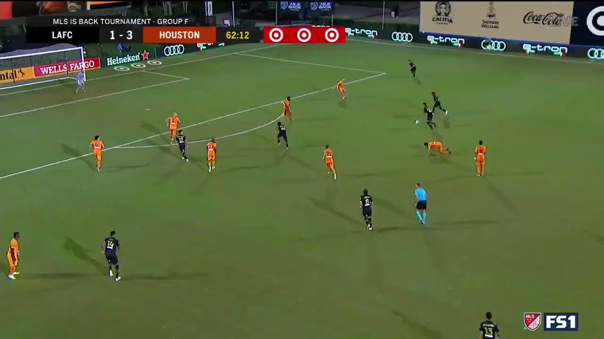 Diego Rossi hit this rocket to spur the comeback against @HoustonDynamo 🚀  (via @LAFC)  https://t.co/Wz81agl56S
