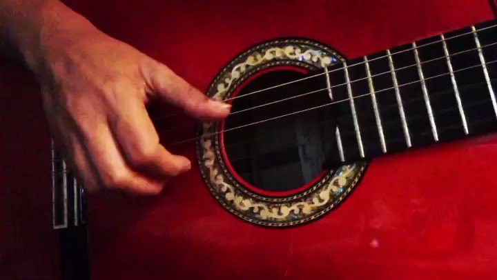 Image for the Tweet beginning: #patiodelagua #tremolo #flamenco #guitar #red