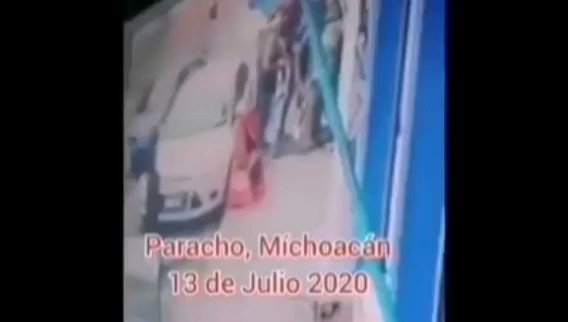Image for the Tweet beginning: 🔴 Huyen de #Paracho, médico