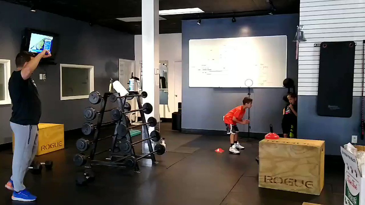 Speed Drill at Synergy Fitness  #speed #speeddrill #training #traininghard #synergytfitness #fairfieldnj #drills #trainingsesssion